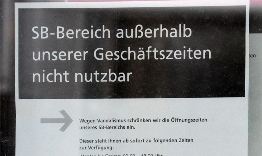 Nach Vandalismus: Postbank schränkt SB-Bereich ein