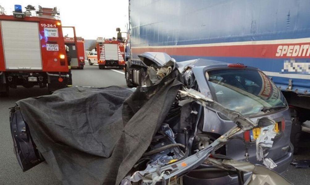 Unfall Auf A2 Zerstörter Sattelschlepper 7Aktuell — Cluber